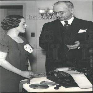 1933 Press Photo Fatigue Measuring Machine Inventor