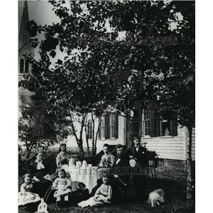 1879 Press Photo Pastor C.F. Magelsen and family at Luther Valley Church