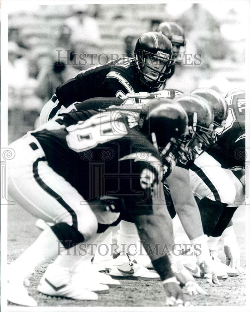 San Diego Chargers Backup Quarterback: 1989 Press Photo NFL San Diego Chargers Quarterback Jim