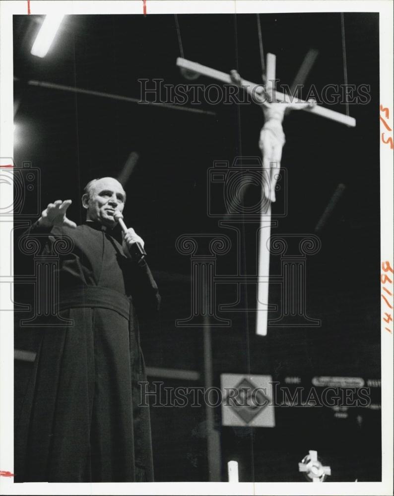 Father Ralph Diorio
