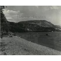 1955 Press Photo Beach near Piaehland, British Columbia - spa68798