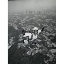 1966 Press Photo US Army Paratroopers jumping from a top of a plane - spb01500