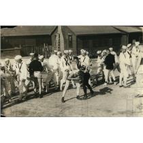 1918 Press Photo Great Lakes Company Boxing Instruction - nem38171