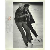 1987 Press Photo Vincent Yeager & Joanne Wilhelm skating at Spokane's Ice Palace