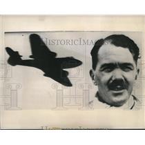 1945 Press Photo Capt. H.J. Wilson R.A.F. Pilot of Britannia on record flight