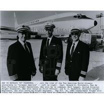 1983 Press Photo Capt. Donald E. Pritchett, Pan Am Vice President & Hart Langer.