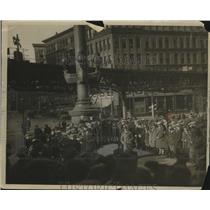 1924 Press Photo On Location in Boston's Business Section, Little Screen Players