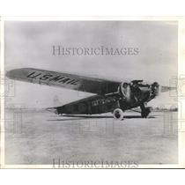 1945 Press Photo US Air Mail plane prepares for takeoff on 25th Anniversary