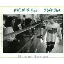 1994 Press Photo Jesuit High School - Wrestler Rene Baumer, Family, New Orleans