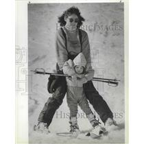 1987 Press Photo Special Olympics helper Fran Rose and daughter at Mt. Spokane