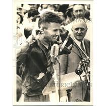1938 Press Photo Douglas Corrigan makes speech at Baltimore after a flight