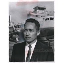 1960 Press Photo Stewart D. Mast, Director of County Airports in Milwaukee