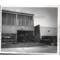 1973 Press Photo Mitchell Airport Terminal in Milwaukee - mjb41056