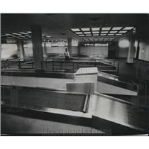 1977 Press Photo The International Arrivals Terminal at Mitchell Field