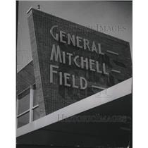 1955 Press Photo The new terminal at General Mitchell Field, Wisconsin