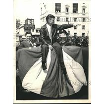 1938 Press Photo Douglas Corrigan shown at Civic Center in San Francisco