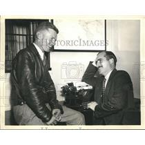 1938 Press Photo Doug Harbor interviewed by Kenneth Downs I.N.S Correspondent