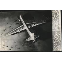 1945 Press Photo Post-war clipper passenger airplane model - spa73788