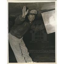1945 Press Photo Lt. Gen. Barney Giles leads non stop flight to Washington
