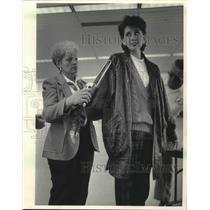 1985 Press Photo Jill Pietrowiak scanned at Mitchell Field Airport in Milwaukee