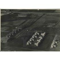 1932 Press Photo Aerial view of Mitchell Field hangars, Milwaukee, Wisconsin
