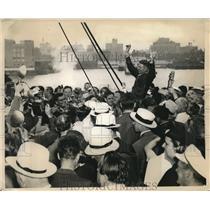 1938 Press Photo Douglas Corrigan Receiving Farewells from fellow passengers