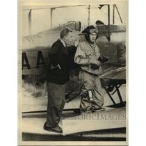 1933 Press Photo British Aviator John Grierson Standing Beside the Gypsy Moth