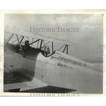 1933 Press Photo Al. K. Hall, Sr. and Jr., Floyd Bennett Field, N.Y. in bi-plane