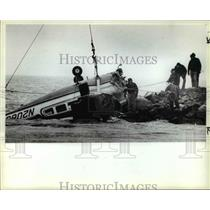 1983 Press Photo Airplane Crash Near Water - cvb15664