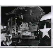 1961 Press Photo Polio airlift - cvb25254