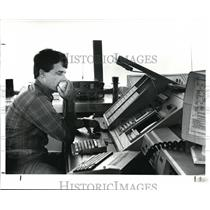 1988 Press Photo Jim Watson, air controller d - cvb29942