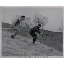 1949 Press Photo Ross Pursifull Walter Hafeli Skiing - RRW01149