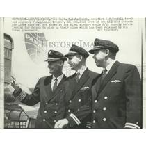 1961 Press Photo Capt WE Buchanan and PA Knudsen leave Miami to get plane