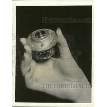 1941 Press Photo General Motors Produces Small But Vital Defense Motor