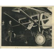 1939 Press Photo Aviator Douglas Corrigan at Shushan Airport, New Orleans
