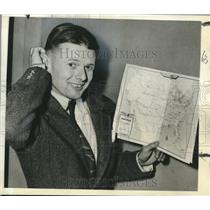 "1942 Press Photo Pilot Douglas ""Wrong Way"" Corrigan with Map for Ferry Command"