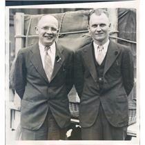 1932 Press Photo Detroit Pilot Pete Larsen & HT Larsen of Balloon Club