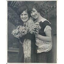1924 Press Photo Chicago IL Thelma Simpson, Virginia Waters - ner61139