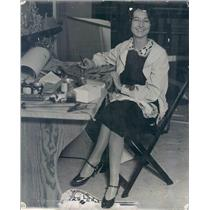 1927 Press Photo Denver CO Artist Ruth McDonough YWCA Worker - rkf7307