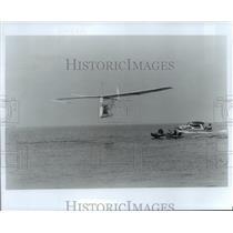 1980 Press Photo human powered, Gossamer Albatross flies over English Channel