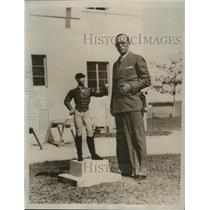 1934 Press Photo Damon Runyon, Sports Writer, at New Home in Miami Beach, FL
