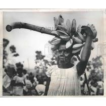1950 Press Photo Old pipe smoking woman from the Rabaul area has unique features
