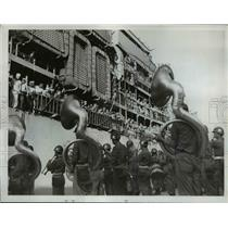 1950 Press Photo 1st Marine Division welcomed by Armed forces band to S. Korea