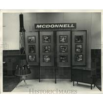 1962 Press Photo McDonnell Douglas Corp. Aircraft exhibit - hcx09413