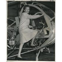 1965 Press Photo Helicopter pilot & instructor, Mrs. Jeannette De Jarnette