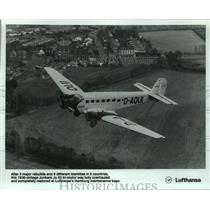 1991 Press Photo Lufthansa Airlines Vintage Junkers Ju in Flight. - hcx09560