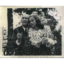1948 Press Photo South Carolina Governor J Strom Thurmond with his wife