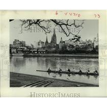 1961 Press Photo Scullers On the Yarra River in Melbourne, Australia.