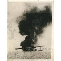 1930 Press Photo British Army plane set on fire as the pilot made forced landing