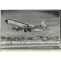 1968 Press Photo Delta Airlines Convair 880 Jet Passenter Plane Takes Off